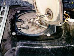 Fuelpump on Nissan An Fuel Filter Location